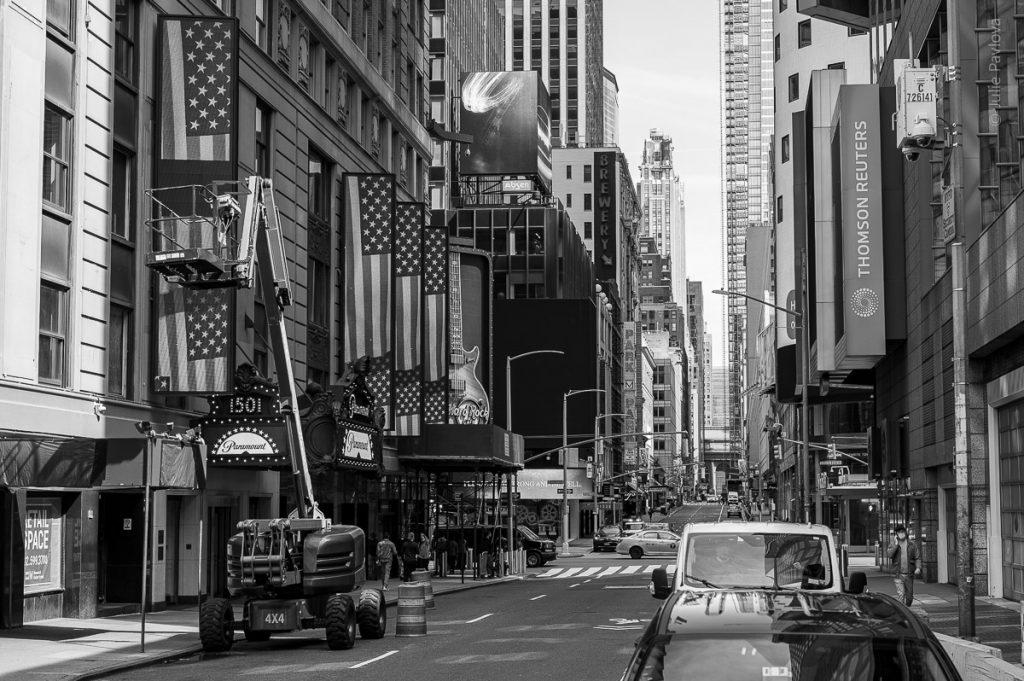 Paramount 1501. Hard Rock Cafe. Manhattan, New York, during COVID-19. (04/26/2020 by Julie Pavlova Photography)
