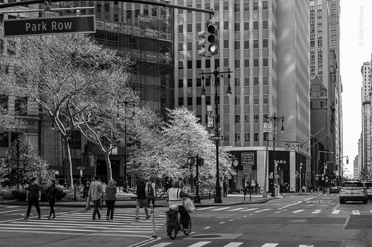 Park Row. Manhattan, New York, during COVID-19. (04/26/2020 by Julie Pavlova Photography)