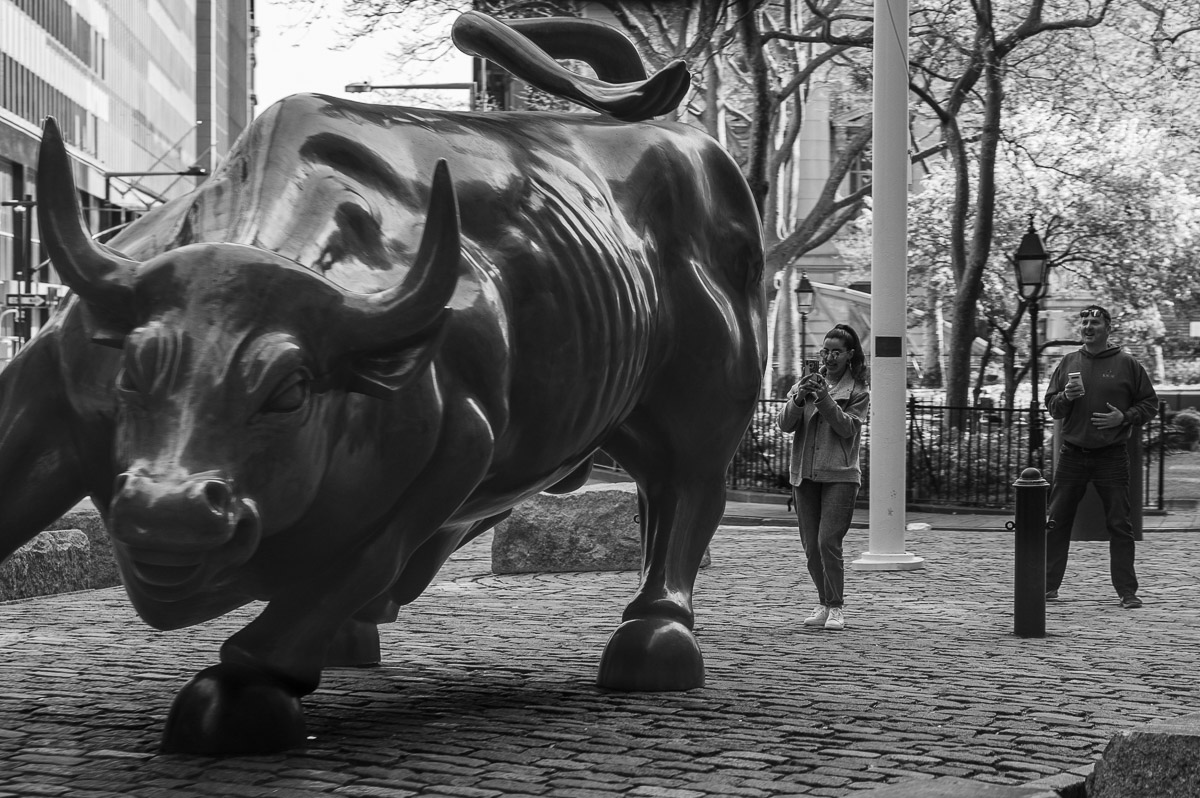 Charging Bull. Manhattan, New York, during COVID-19. (04/26/2020 by Julie Pavlova Photography)