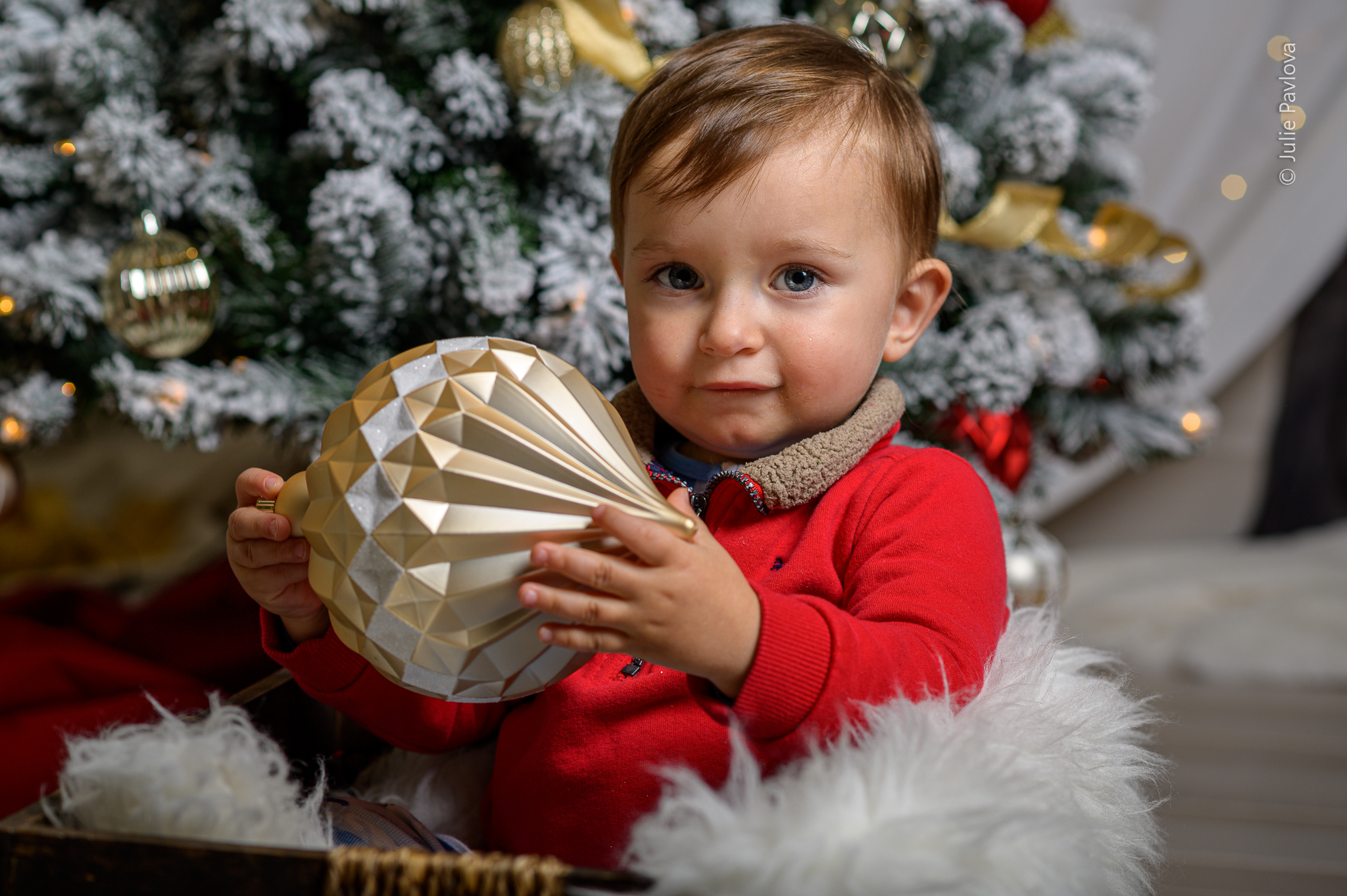 (Before retouching) Christmas session with Julie Pavlova Photography. Bergen County family, maternity and newborn photographer, New Jersey